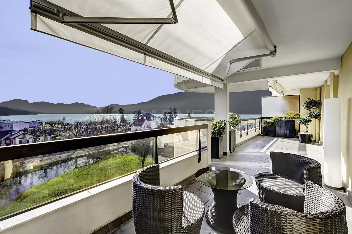Magnifique vue lac pour ce duplex de standing proche du port d'Aix les Bains picture 2