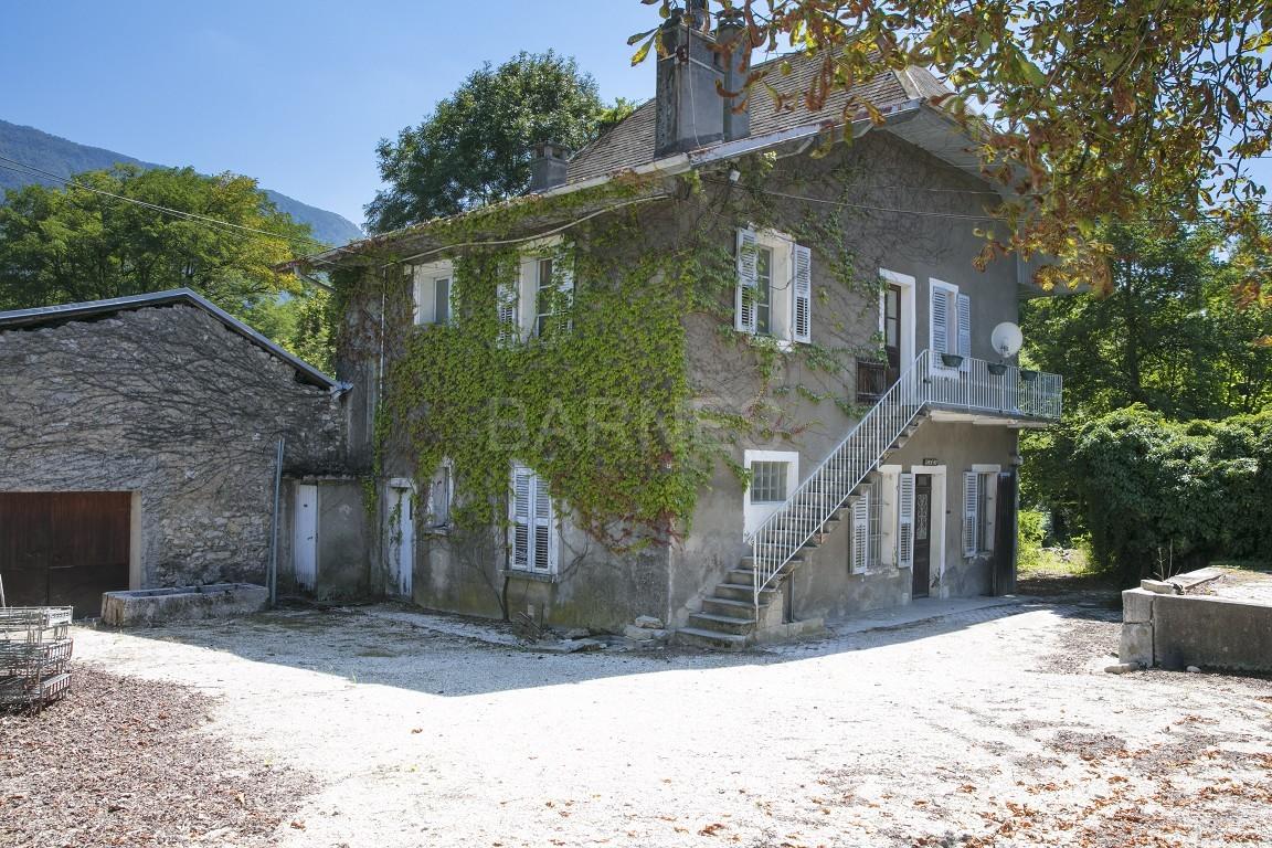 Superbe propriété viticole du XIX ième bénéficiant d'une belle vue sur la chaîne de Belledonne. picture 5