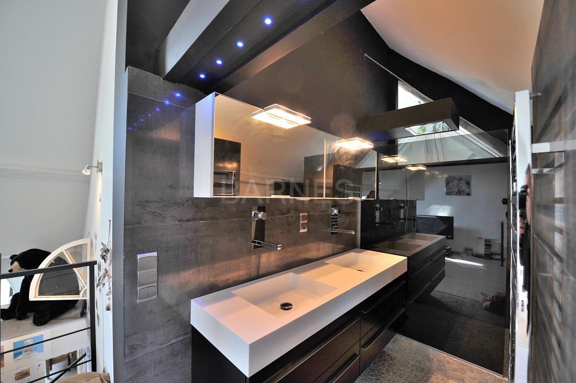 Dans un château au coeur de Chambéry, appartement exceptionnel de type 7 en duplex picture 4