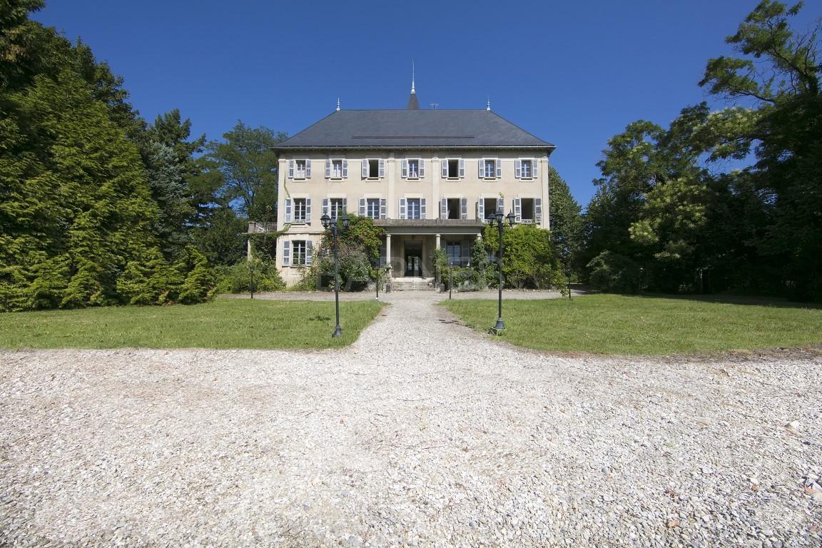 Superbe propriété viticole du XIX ième bénéficiant d'une belle vue sur la chaîne de Belledonne. picture 3