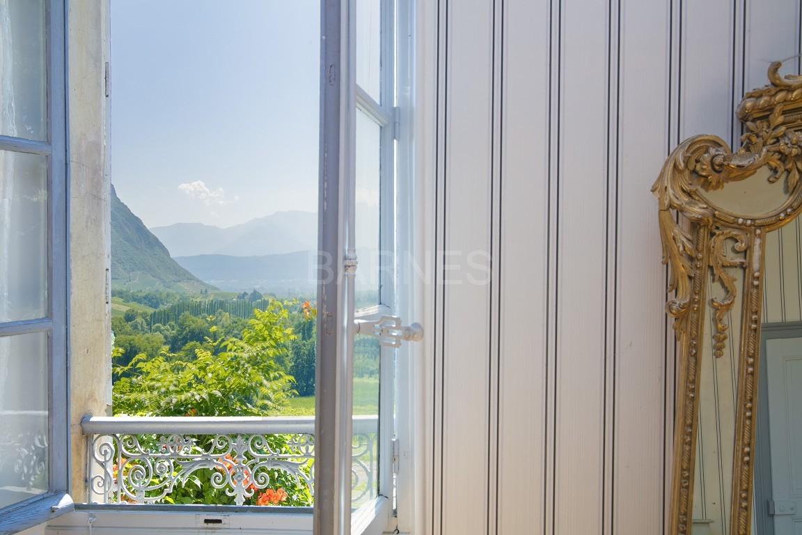 Superbe propriété viticole du XIX ième bénéficiant d'une belle vue sur la chaîne de Belledonne. picture 12