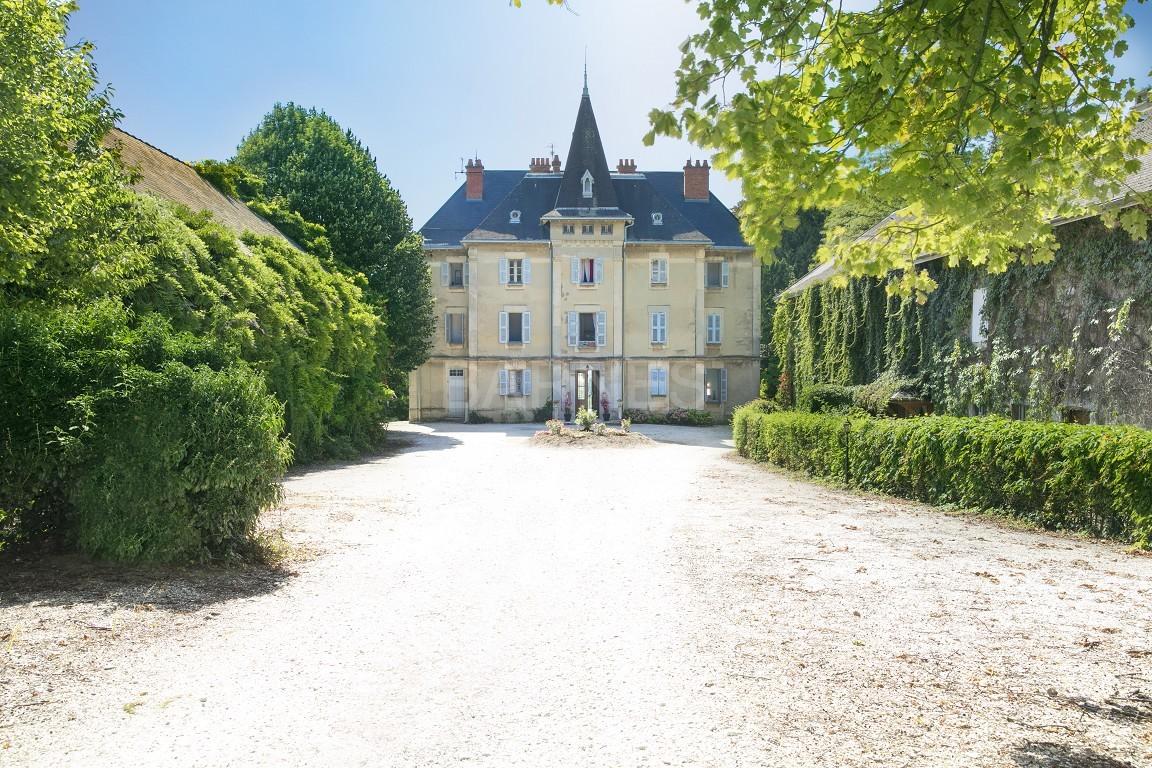 Superbe propriété viticole du XIX ième bénéficiant d'une belle vue sur la chaîne de Belledonne. picture 1
