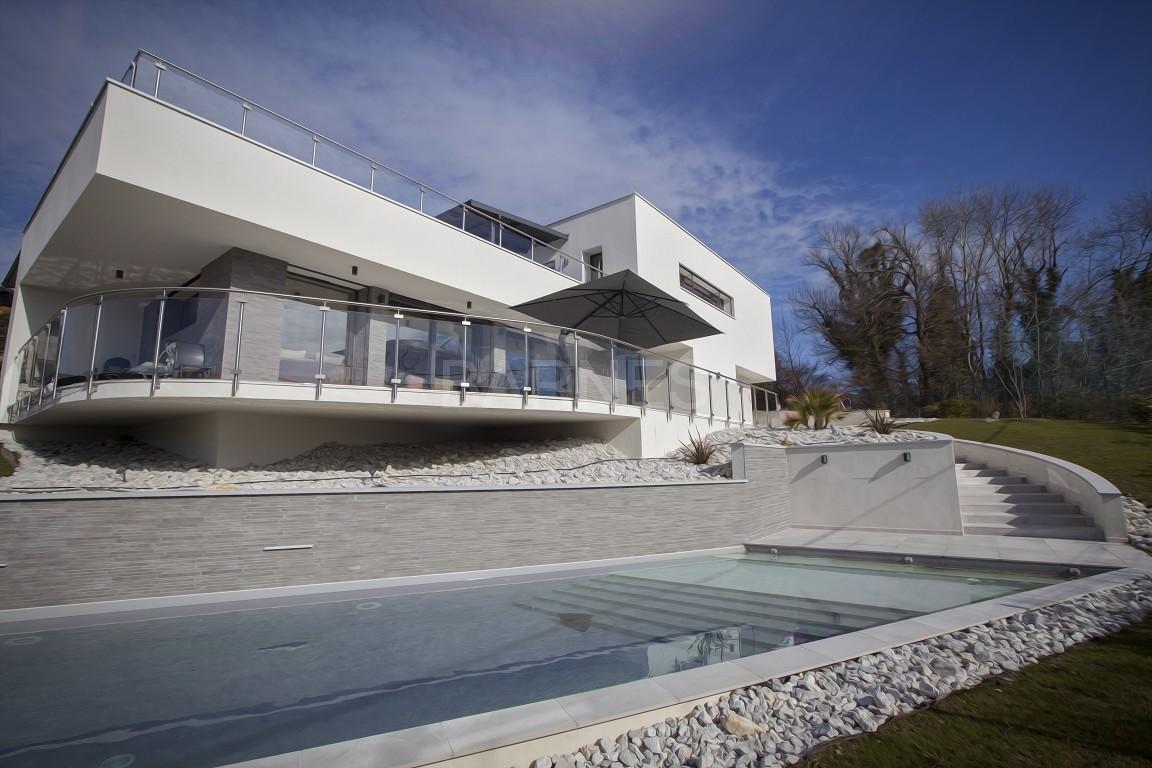 Maison d'architecte contemporaine, hauteurs d'Aix-Les-Bains picture 2