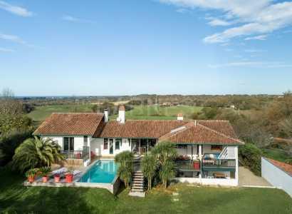 Country house, SAINT PEE SUR NIVELLE - Ref M559