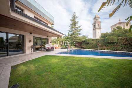 Casa, Barcelona - Ref 721