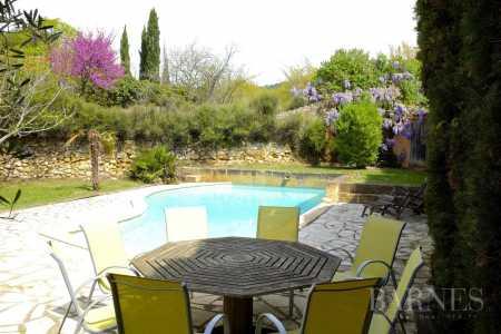 House, Aix-en-Provence - Ref 2542931