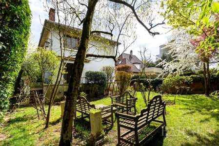House, Antony - Ref 2592567