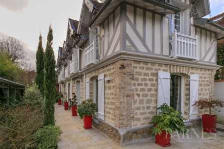 House, La Varenne-Saint-Hilaire - Ref 2648717