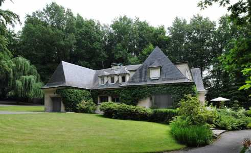 Stone house, UCCLE - Ref M-31035