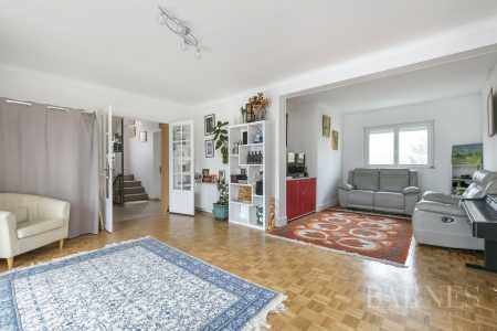 House, Antony - Ref 2790385