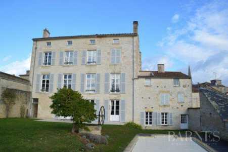 Maison, Fontenay-le-Comte - Ref 2553952