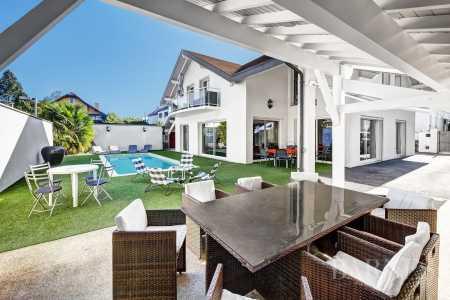 Villa, Annecy - Ref 2666444