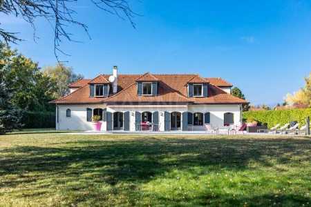 Villa, PREVESSIN-MOENS - Ref M-75821