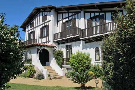 Stone house, BIARRITZ - Ref M174