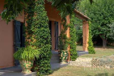 House, Aix-en-Provence - Ref 2542821