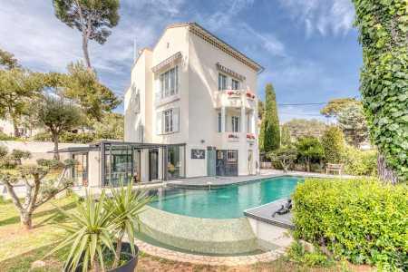 House, Antibes - Ref 2216621