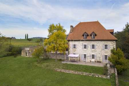 Châteaux, THUSY - Ref CH-75818