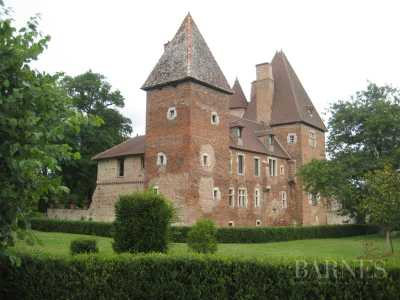 CASTLE, CLUNY - Ref 2554049