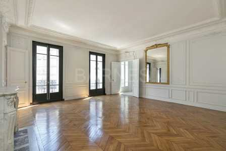 BOURGEOIS APARTMENT, PARIS 75008 - Ref A-74475