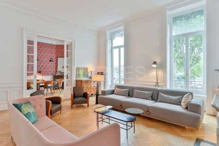 APPARTEMENT BOURGEOIS, LYON 69002 - Ref A-70006