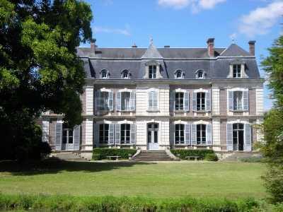 Châteaux, MONTARGIS - Ref CH-75597