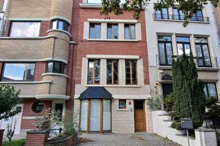 House, UCCLE - Ref M-75374
