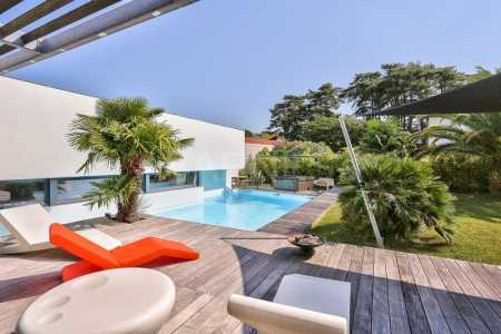 Contemporary house, BIARRITZ - Ref M538