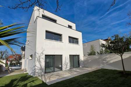 Architect house, LA VARENNE SAINT-HILAIRE - Ref M-80710