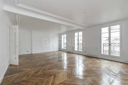 RENOVATED APARTMENT, PARIS 75008 - Ref A-74634
