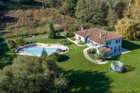 House, ASCAIN - Ref M414