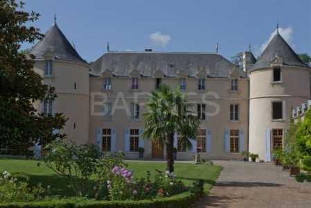 Castles and Manors MH/ISMH, LA ROCHE SUR YON - Ref CH-65682
