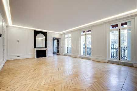 LUXURY APARTMENT, PARIS - Ref A-52895