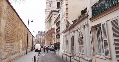 Rue Férou à Paris, ce repaire de génies et d'esthètes où les biens se vendent à prix d'or