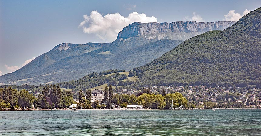 Lake Annecy sparks buyers' interest