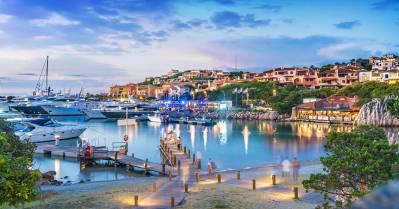 Porto Cervo attire une clientèle internationale huppée